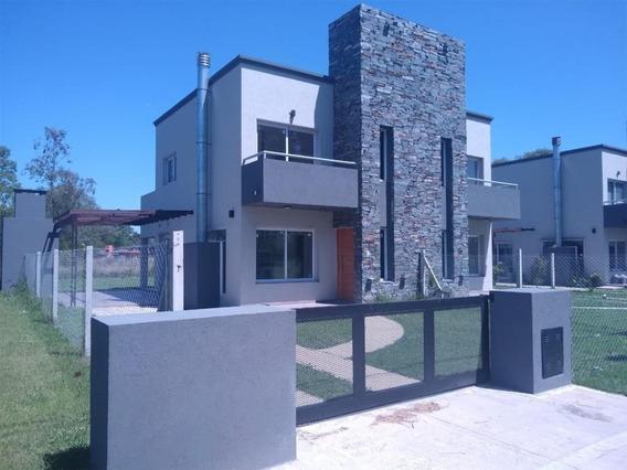 Duplex Dos Dormitorios En Club De Campo Barrio Privado**