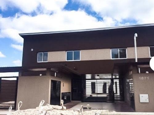 Duplex 2 Habitaciones C/cochera Y Parrilla, Los Hornos.