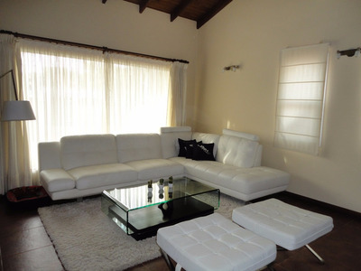 Casa Tres Dormitorios En Barra De Carrasco