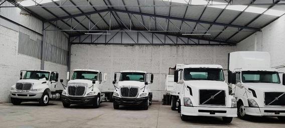 Camion Volvo Pipa De Agua, Volteo De 14 Mts Y Chasis Cabina