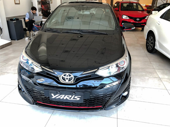 Toyota Yaris Xls 5 Puertas Cvt Hatchback Adp