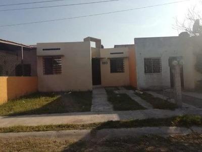 Casa Sola En Renta Col. Prados Del Sur, Colima, Colima; Cerca De La Central De Los Rojos Y Liconsa