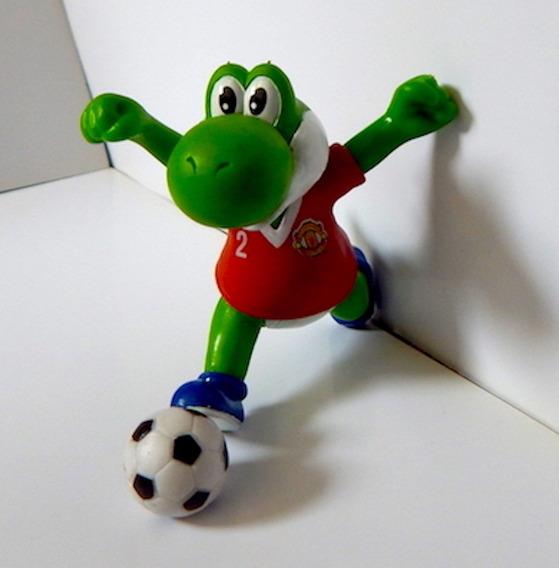 Mario Bros Figura Gashapon Yoshi Pateando Manchester United