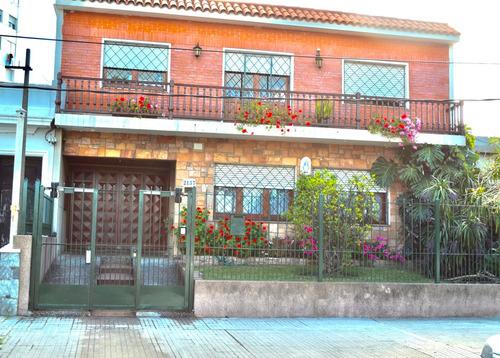 Venta Casa 5 Dormitorios 3 Baños Fondo C/barbacoa Garaje X3