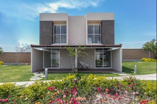 Casa Hermosa A Un Excelente Precio Con Alberca Y Palapa