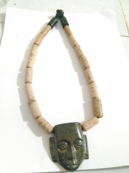 Collar De Piedra Natural Coral Y Jade Máscara La Vida