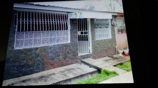 Se Vende Casa En Chorrera San Antonio En 30,000 #remate.....