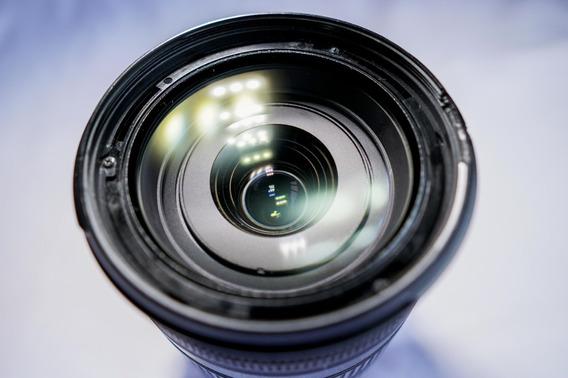 Lente Canon 18-200mm F/3.5-5.6 Is Com Parasol