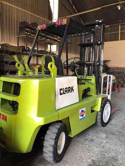 Empilhadeira Clark C300 Restaurada Todo Terreno Garantia 6 M