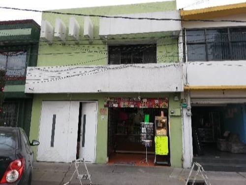 Casa Con Local Comercial Con Excelente Ubicacion