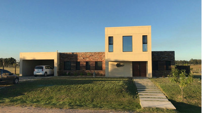 Casa En Alquiler En Colinas De Carrasco