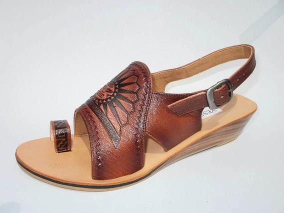 Sandalias De Cuero Y Suela
