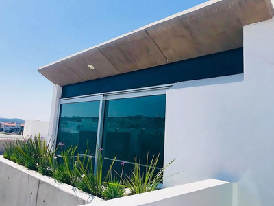 Preciosa Residencia, 3 Niveles En Lomas De Juriquilla, Jacuzzi, De Autor, 4 Recs