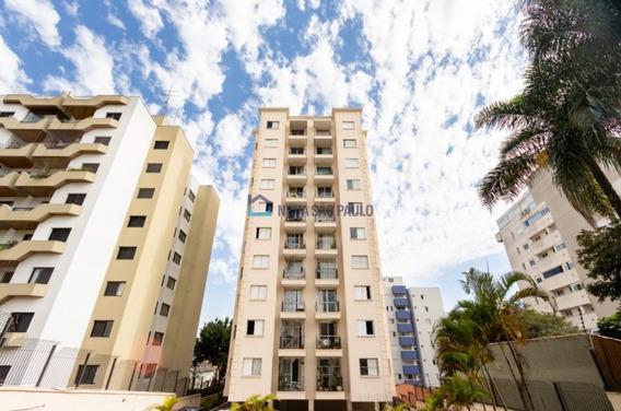 Metrô Saúde - 2 Dormitórios, Sala Com Sacada, Um Vaga De Garagem Coberta E Fixa . - Bi25528