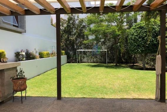 Casa En Renta Con Terraza Y Agradable Jardín En Punta Juriqu