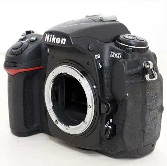 Nikon D 300 Reflex Digital + Lente 18-200 Mm + Flash Regalo