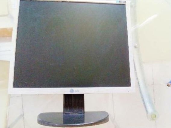Monitor LG Flatron L1753t 17p Com Cabo Gva E Cabo Do Monitor
