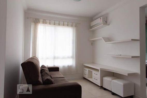 Apartamento No 4º Andar Mobiliado Com 1 Dormitório E 2 Garagens - Id: 892988195 - 288195