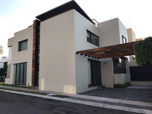 Casa En Renta. Claustros De La Corregidora, Centro Sur, Queretaro. Rcr170810-ae