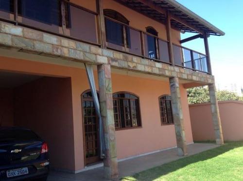 Ótima Casa Com 03 Quartos Suite 03 Vagas. - 1780