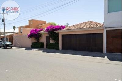 Casa En Venta En Un Sola Planta Frente A La Escuela Promedac.
