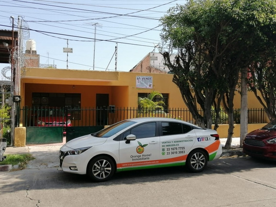 Casa Con 12 M2. Frente En Alcalde Barranquitas Por Glorieta