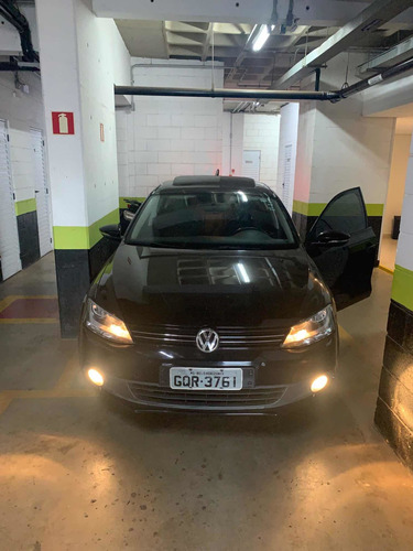 Imagem 1 de 11 de Volkswagen Jetta 2011 2.0 Comfortline Flex 4p Automática