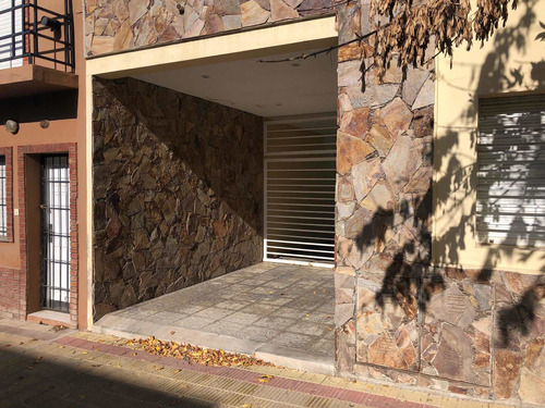Imagen 1 de 14 de Edificio De 8 Departamentos En Tandil