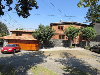 Hermosa Casa Con Alberca Techada Y Gran Jardín