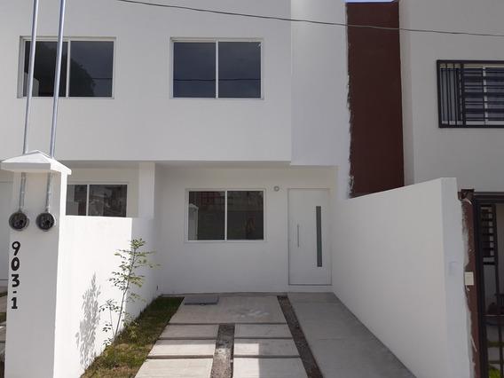 Casa En Venta Al Sur De La Ciudad, Cerca De Avenida 11 Sur