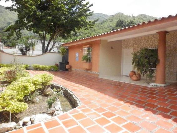 Venta Casa El Castaño Zona Privada Maracay Cod 20-17706 Mc