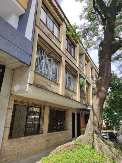 Apartamento En Venta Envigado Barrio Mesa, Primer Piso