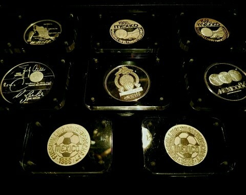 Imagen 1 de 12 de Monedas De Plata Mundial 1986.salvador Dali