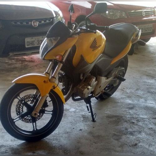 Imagem 1 de 4 de Moto Honda Cb 300