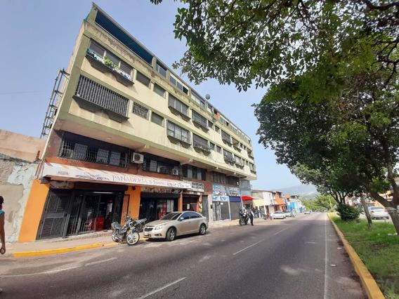 Avenida Carabobo. Apartamento En Alquiler