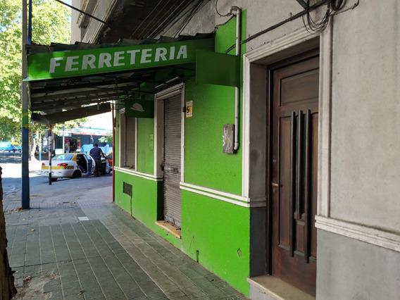 Excelente Zona Comercial Sobre Garibaldi. Local Con Subsuelo