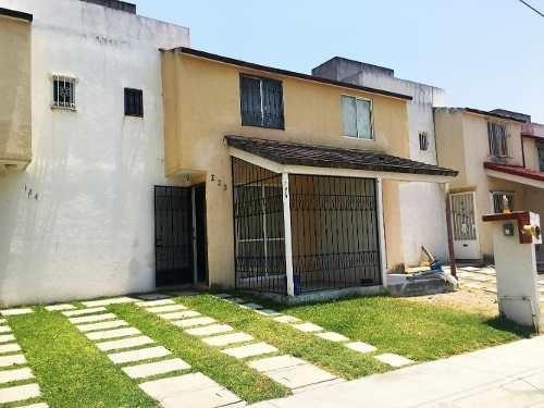 Bonita Casa En El Fraccionamiento Arroyos De Xochitepec