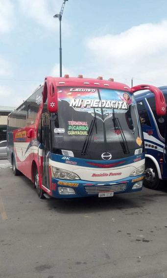 Bus Hino Ak Con Acciones Y Derechos