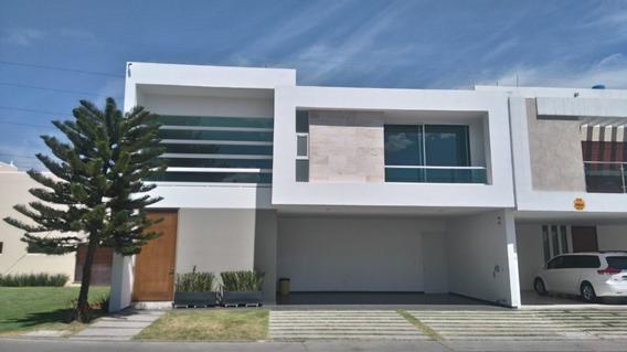 Casa En Renta En Privada Los Pinos Lomas 4ta. Seccion