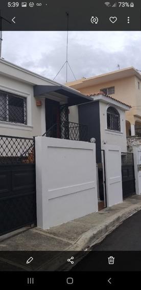 Alquilo Casa En Trinitarios Iii, Santo Domingo