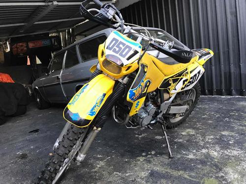 Imagem 1 de 10 de Suzuki