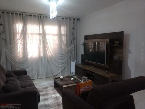 Imagem 1 de 9 de Sobrado Amplo ! Casa Verde , Repleto De Armários  - St13652