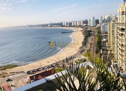 Apartamento De 3 Dor, 3 Baños ( 2 En Suite), Balcon Con Vista A La Playa Mansa Y Brava. En Una Excelente Ubicacion. Consulte!!!!! Por Alquiler- Ref: 2199