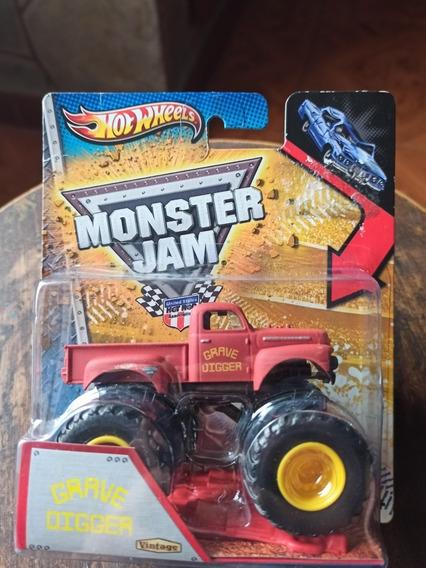Hotwheels Monster Jam Chevy Grave Digger