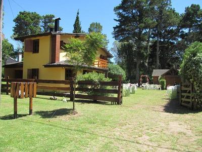 Casa En Venta En El Barrio El Pinar De La Lucila Del Mar