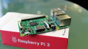 Raspberry Pi 3+fonte+cartão 64 Class10 Origi+case+controle