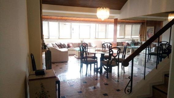 Oportunidad! Duplex Excelente Ubicación -2 Cuartos, 2 Baños