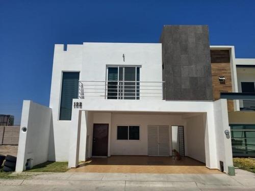 Casa Sola En Venta Fracc Las Calzadas