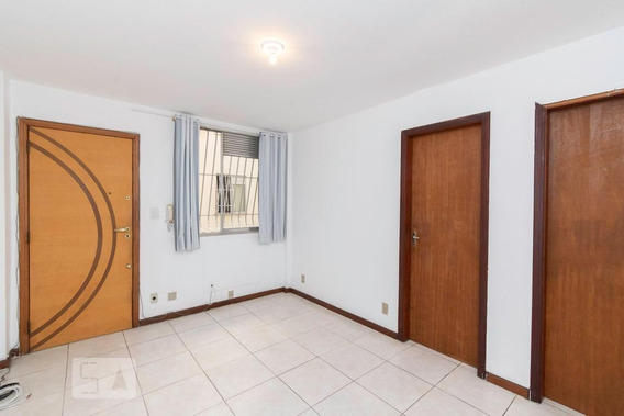 Apartamento No 1º Andar Com 2 Dormitórios E 1 Garagem - Id: 892945564 - 245564