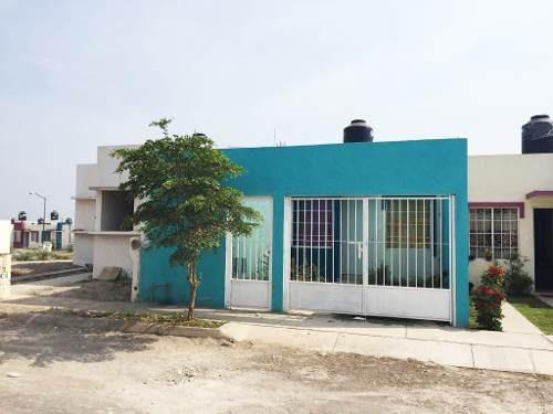 Casa En Renta En Arco De Bara En Fracc. Puerta Del Valle